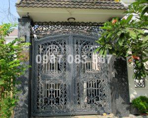 Cổng Nhôm Đúc M005
