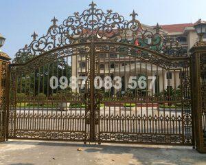 Cổng Nhôm Đúc M010