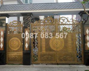 Cổng Nhôm Đúc M018