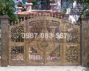 Cổng Nhôm Đúc M020