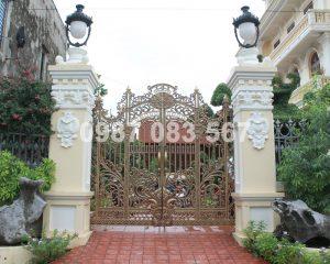 Cổng Nhôm Đúc M061