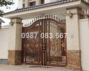 Cổng Nhôm Đúc M062
