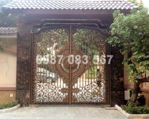 Cổng Nhôm Đúc M065