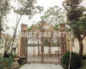 Cổng Nhôm Đúc M066