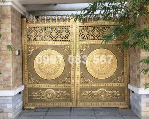 Cổng Nhôm Đúc M081