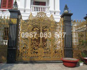 Cổng Nhôm Đúc M083