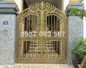 Cổng Nhôm Đúc M096